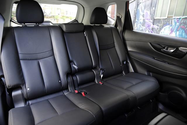 77 Grad. So weit öffnen die hinteren Türen des Nissan X-Trail – so können Kinder oder sperrige Gegenstände bequem in den Fond verfrachtet werden.